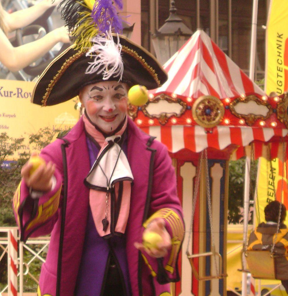 Kindergeburtstag Puppentheater Kinderschminken Zauberclown Jonglage