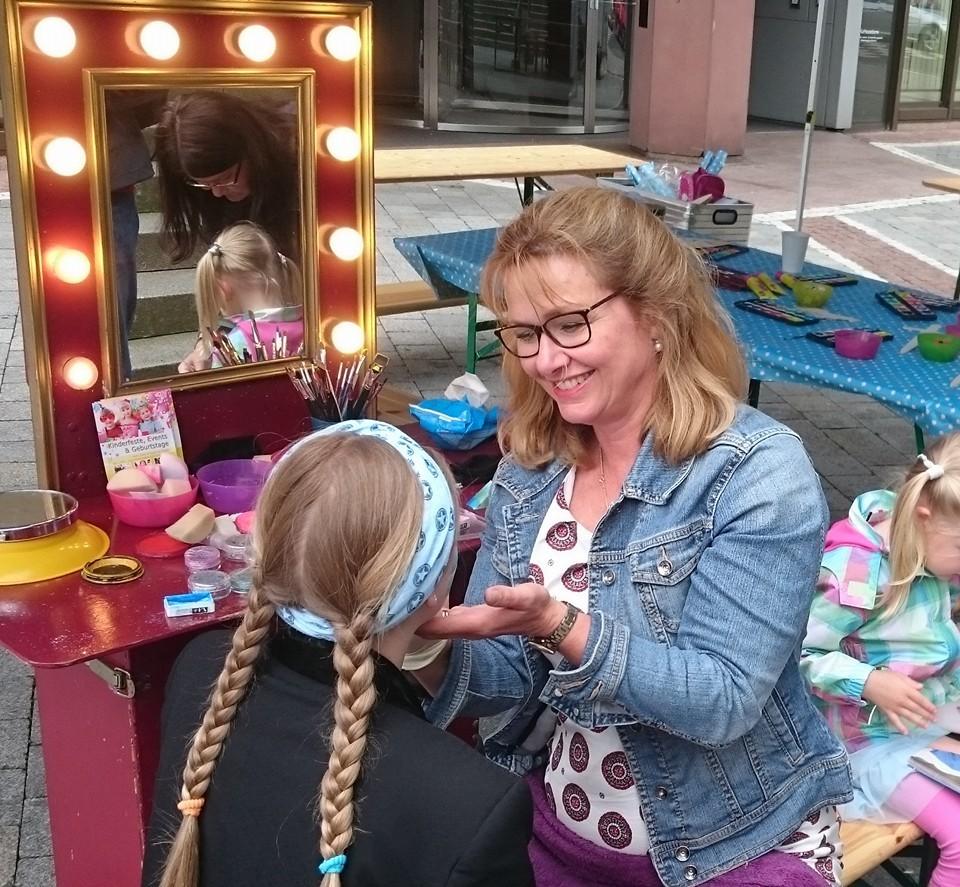 Kindergeburtstag Puppentheater Kinderschminken buchen